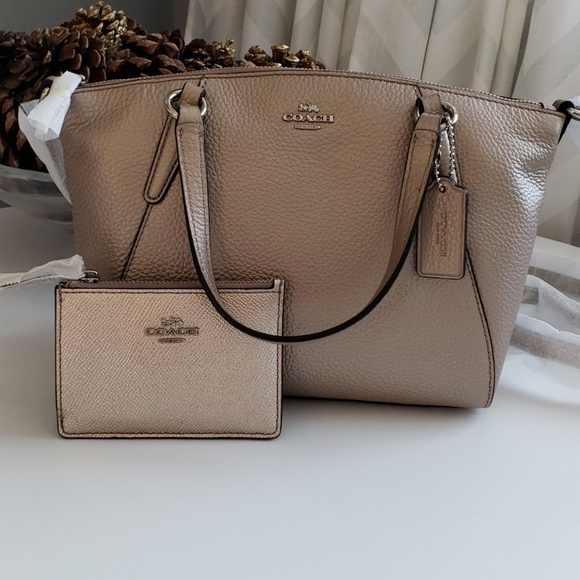 46c1280d5b7c  SALE Coach pebble leather mini Kelsey with wallet. NWT